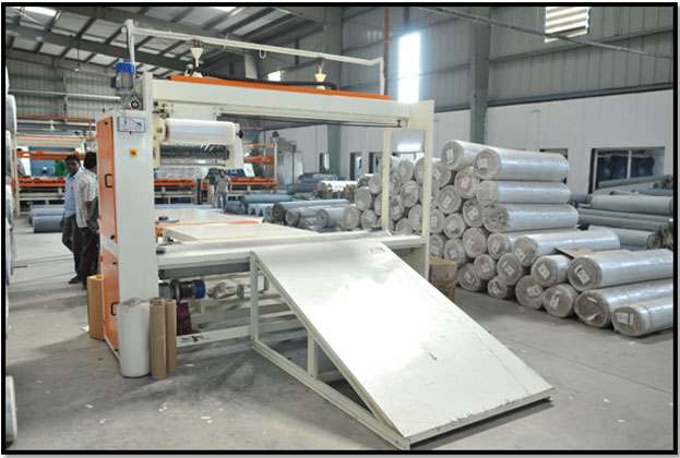fabric-roll-stretch-wrapping-machine